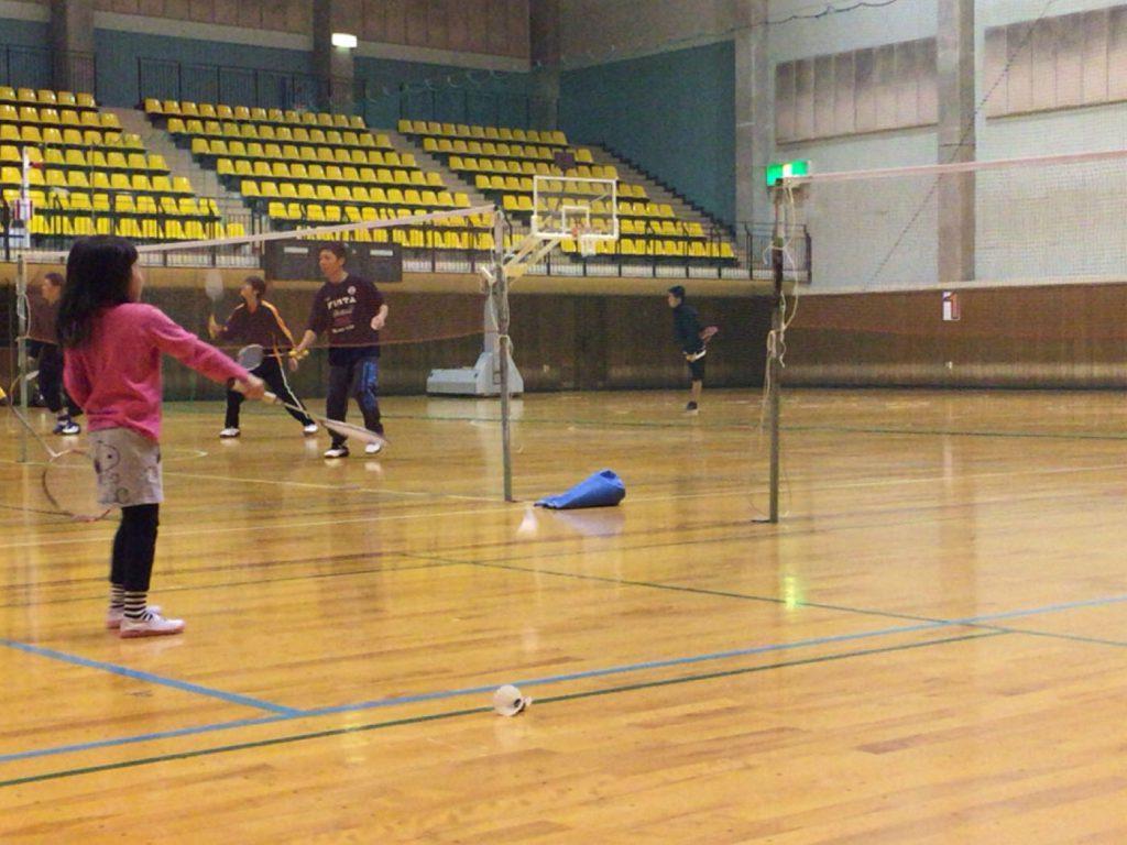 今日は冬の寒さの中、寒い体育館での練習でした。。
